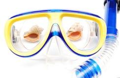 Máscara e câmara de ar para o mergulho Fotos de Stock