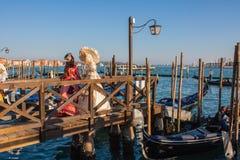 Máscara e trajes do carnaval de Veneza Traitional Veneza, Italy Fotografia de Stock