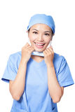 Máscara feliz da descolagem do doutor da mulher Fotografia de Stock