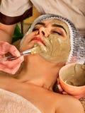 Máscara protetora do colagênio Tratamento facial da pele Mulher que recebe o procedimento cosmético Imagens de Stock