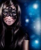 Máscara que lleva de la mujer hermosa Imagen de archivo libre de regalías