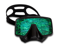 Máscara que se zambulle con la reflexión de la onda del mar Imagen de archivo