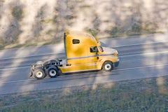 Máscara vívida do sol do caminhão americano fotografia de stock