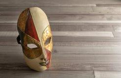 Máscara velha do carnaval de Veneza a disfarçar fotografia de stock