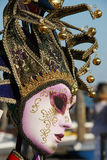 Máscara veneciana del color rosado Fotos de archivo