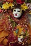 Máscara y trajes venecianos Fotografía de archivo libre de regalías