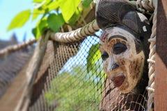 Máscaras de madera étnicas y místicas tradicionales africanas Fotografía de archivo libre de regalías