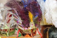 máscaras feitas de penas da avestruz Fotografia de Stock