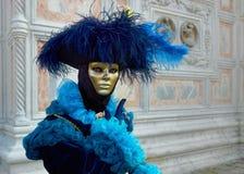 Máscaras femeninas hermosas en carnaval en Venecia Fotos de archivo