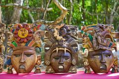 Máscaras mayas de madera de las artesanías del itza de Chichen Fotos de archivo