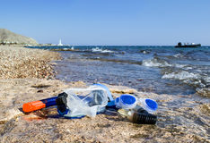 Máscaras que bucean en una playa del filón coralino, Eilat, Fotografía de archivo