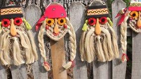 Máscaras rumanas tradicionales almacen de metraje de vídeo