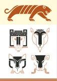 Máscaras y figura del tigre Imagen de archivo libre de regalías