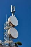 Mástil de la telecomunicación. Foto de archivo libre de regalías