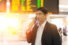 Mâle indien sur le terminal d'aéroport Image stock