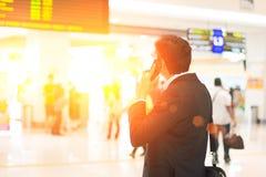 Mâle indien sur le terminal d'aéroport Photographie stock libre de droits