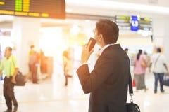Mâle indien sur le terminal d'aéroport Photos libres de droits