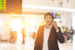 Mâle indien sur le terminal d'aéroport Image libre de droits