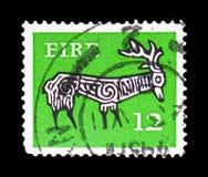 Mâle stylisé, 8ème siècle, serie 1974-83 irlandais tôt d'art, vers 1977 photographie stock