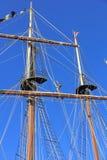 Mât et équipage grands de bateau Photographie stock libre de droits