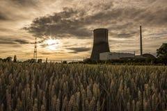 """MÃœLHEIM-KÃ """"RLICH, TYSKLAND, JUNI 30, 2017: Den avlagda kärnkraftverkMÃœLHEIM-KÃ """"en RLICH Arkivfoto"""