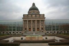 MÃ-¼ nchen - Bayerische Staatskanzlei Royaltyfria Foton