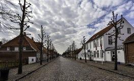 Mainstreet dans le village danois, Møgeltønder Image libre de droits
