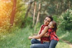 Mãe com filha Fotografia de Stock Royalty Free