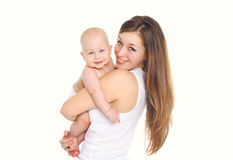 Mãe e bebê de sorriso felizes no branco Fotos de Stock Royalty Free