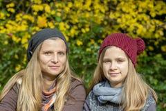 Mãe e filha foto de stock royalty free
