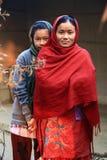 Mãe e filha nepalesas fotos de stock royalty free