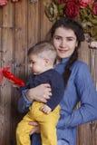 Mãe e filho pequeno Imagem de Stock
