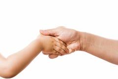 Mãe e jovem criança de conexão do aperto de mão Fotografia de Stock