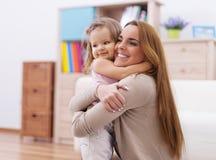 Mãe e seu bebê no amor foto de stock royalty free