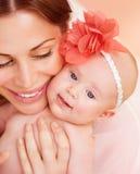 Mãe feliz com bebê Imagem de Stock