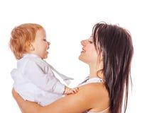 Mãe que guardara o filho imagem de stock royalty free