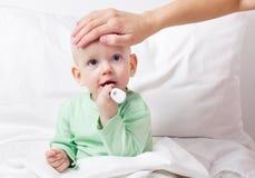 Bebê doente Fotografia de Stock Royalty Free