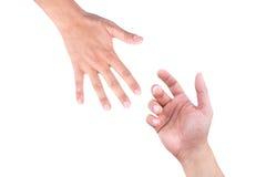A mão amiga, a mão masculina toma a mão masculina, conceito da caridade da ajuda Imagens de Stock
