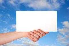 Mão com envelope Foto de Stock Royalty Free