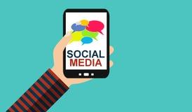 Mão com telefone celular: Meios sociais - projeto liso ilustração stock