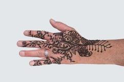 Mão da coberta de Mehndi Henna Tattoo e peça do braço Fotografia de Stock