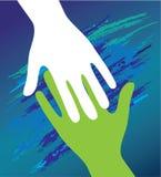 Mão da criança no incentivo do pai. Foto de Stock