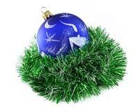 Mão da esfera do Natal pintada Fotos de Stock Royalty Free