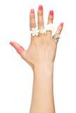 Mão da mulher com anéis imagens de stock