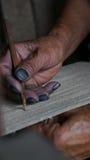 A mão da mulher tecia o trabalho em SAPA, Vietname do ofício Imagem de Stock Royalty Free