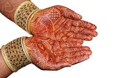 Mão da noiva indiana fotografia de stock