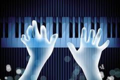 Mão que joga o piano Fotografia de Stock Royalty Free