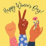 A mão das mulheres com seu punho aumentado acima Poder da menina Conceito do feminismo ilustração do vetor