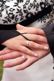 Mão das noivas Fotos de Stock Royalty Free