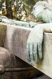 Mão de bronze de uma estátua Fotos de Stock Royalty Free